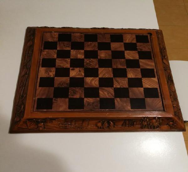 Antiguo ajedrez de moros y cristianos