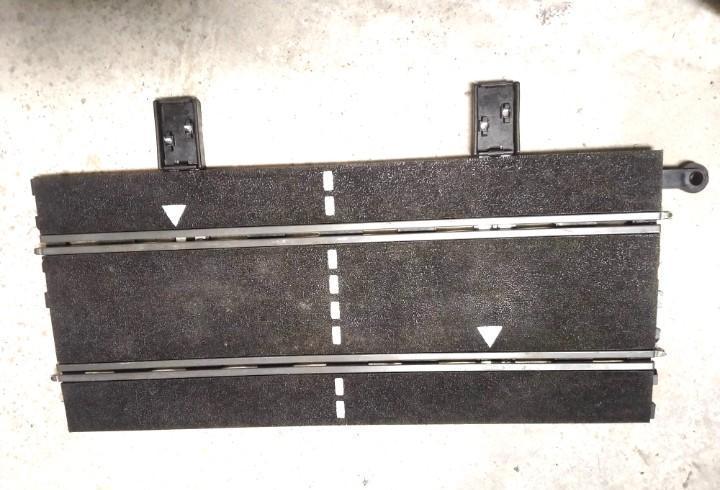 Pista recta de salida con conexiones sistema antiguo de