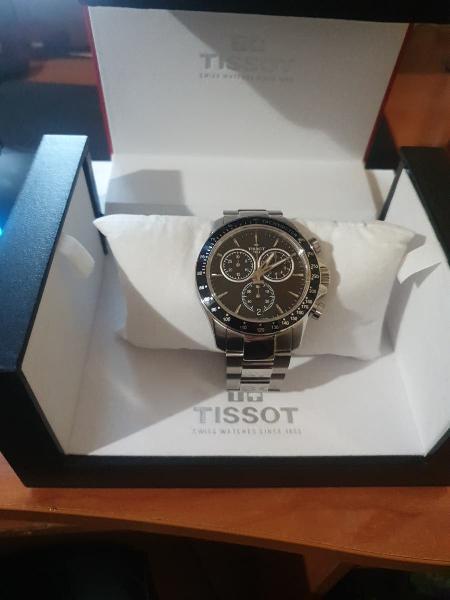 Reloj tissot v8 quartz completamente nuevo