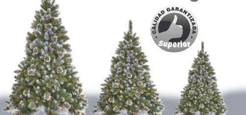 Arboles de navidad con copitos de nievo tipo pino. excelente
