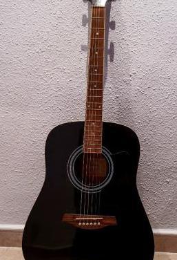 Guitarra acústica ibañez.