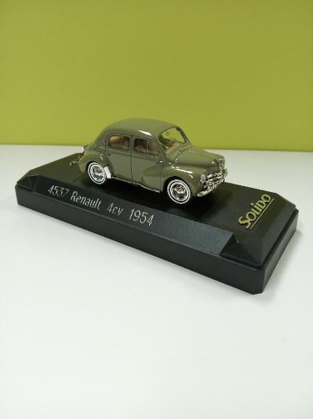 Coche miniatura renault 4 cv 1/43 colección