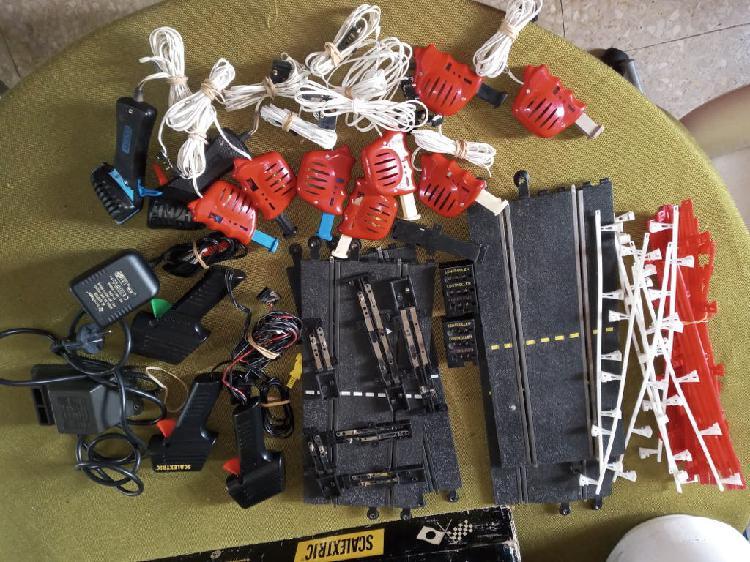 Lote de ,mandos y pistas de conexion segun fotos