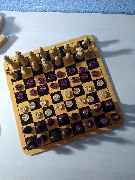 Maletin con varios juegos (incompleto)