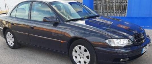 Opel omega elegance 2.2 16v 4p.