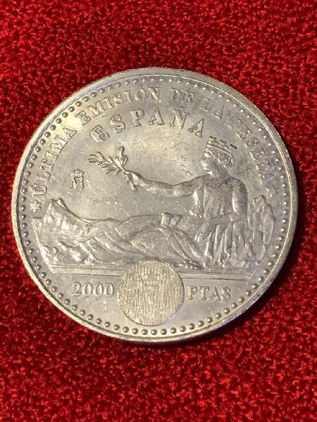 Moneda plata 2.000 pesetas.