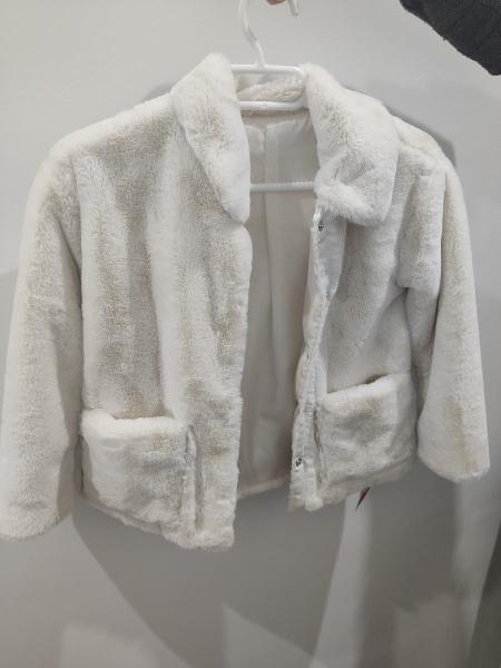 Abrigo pelo blanco crema