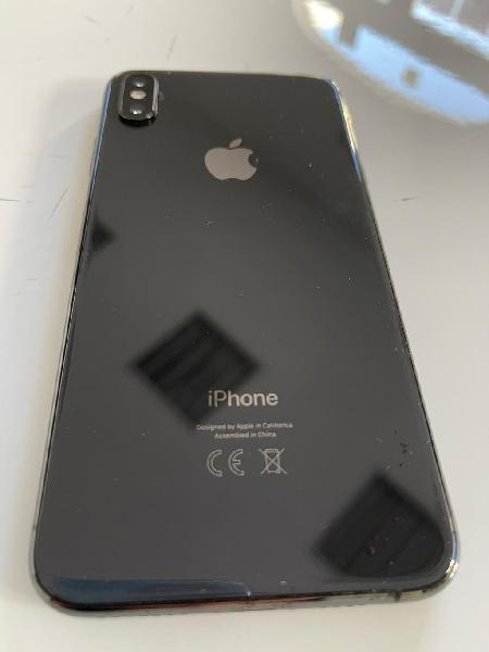 Iphone xs max 64 gb color negro + 2 cristales temp