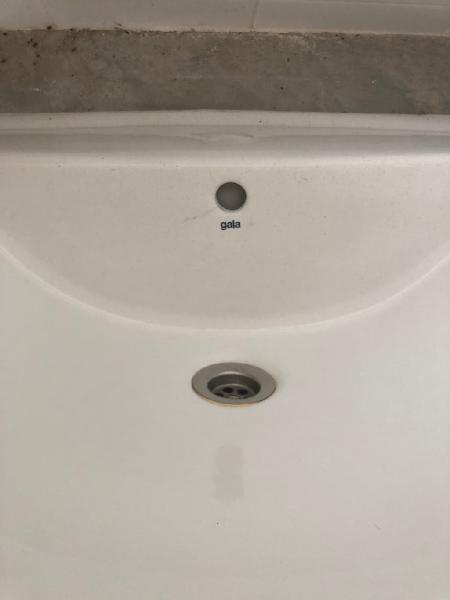 Lavabo suspendido gala