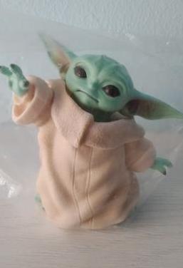 Figura nueva baby yoda