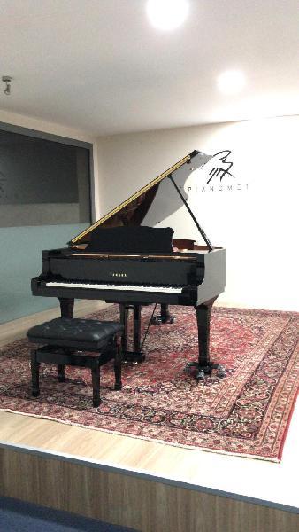 Piano de cola yamaha c6