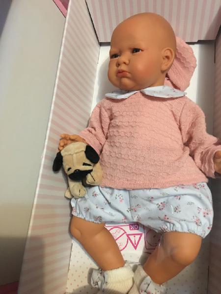 Bebé pucheritos de antonio juan, llora y balbucea
