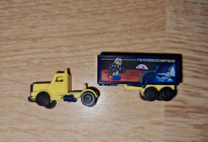 Figura kinder ferrero antigua coche camión espacio