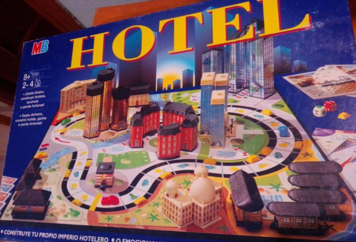 Juego mesa hotel mb año 1996 usado