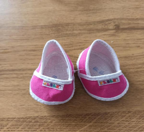 Zapatos en tela color fucsia de feber nuevos sin uso 8cm