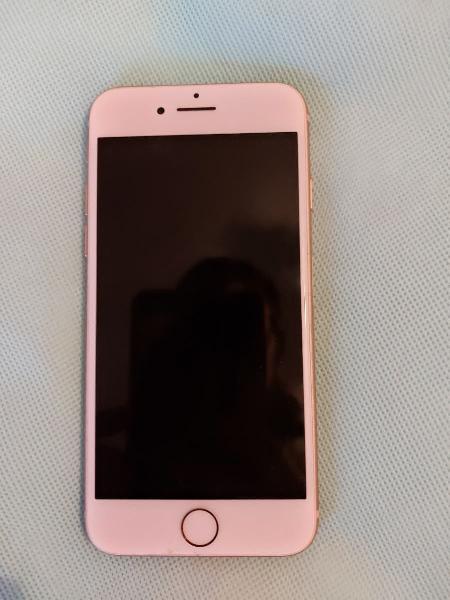 Se vende iphone 8 oro rosa (precio negociable)