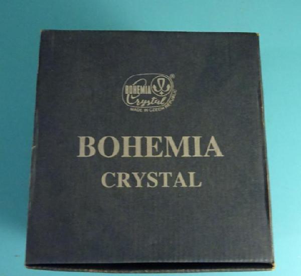 Bombonera de cristal al 24 % de óxido de plomo. marca