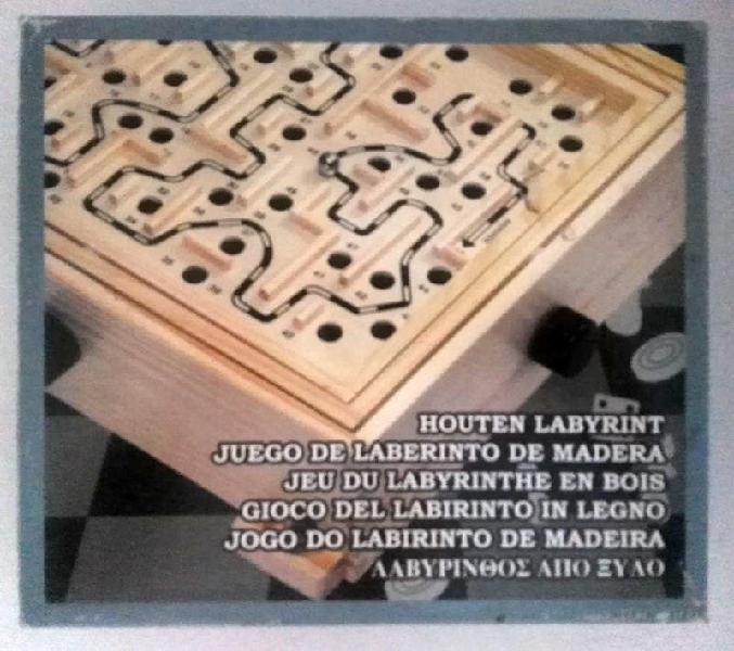 Juguete antiguo laberinto de madera