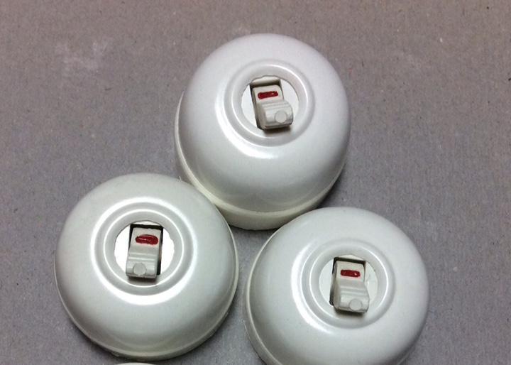 Lote de 3 antiguos conmutadores interruptor baquelita