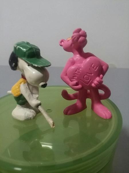 Snoopy y pantera rosa
