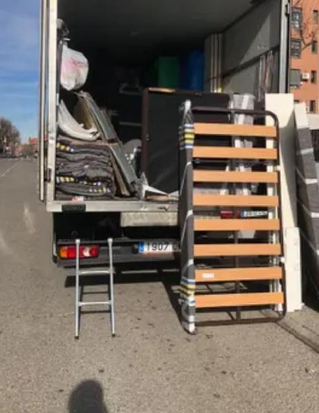 Mudanzas portes traslados recogida de escombro