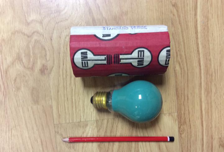 Antigua bombilla elva standar 40w 220/230v verde e27