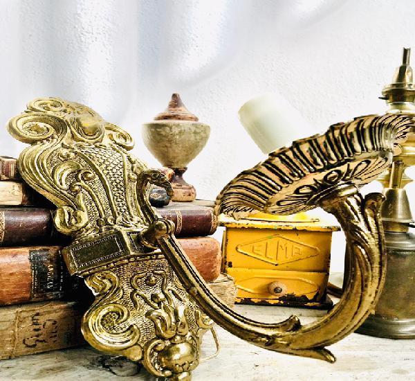 Bonito aplique de bronce con brazo para pasillo lampara de