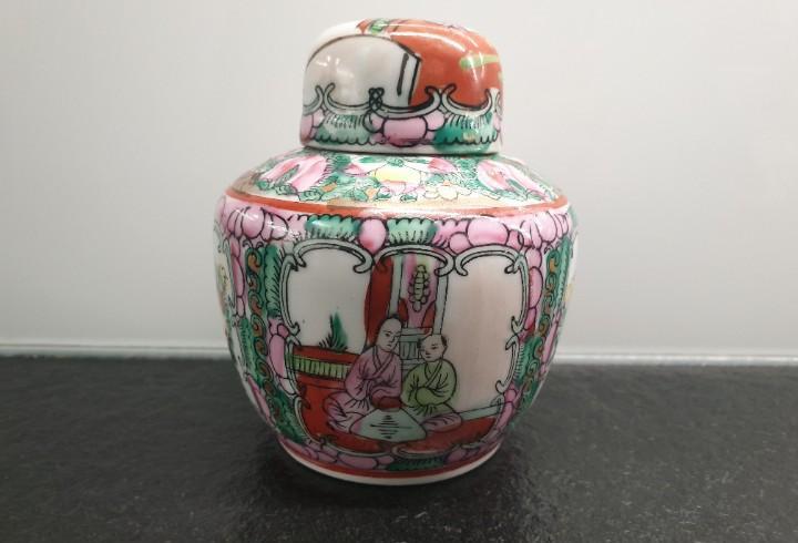 Tibor chino de porcelana. macao. con sello. porcelana china.