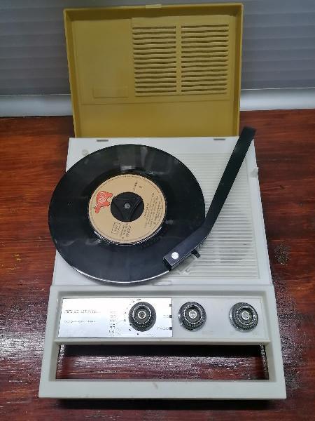 Tocadiscos vintage (años 70)