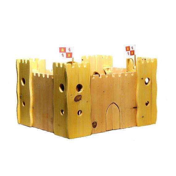 Castillo de madera hecho a mano