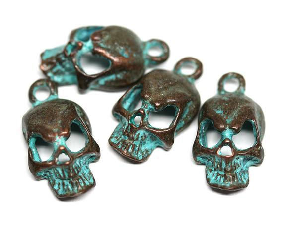 Metal encantos cráneo verde patina cobre cráneo halloween