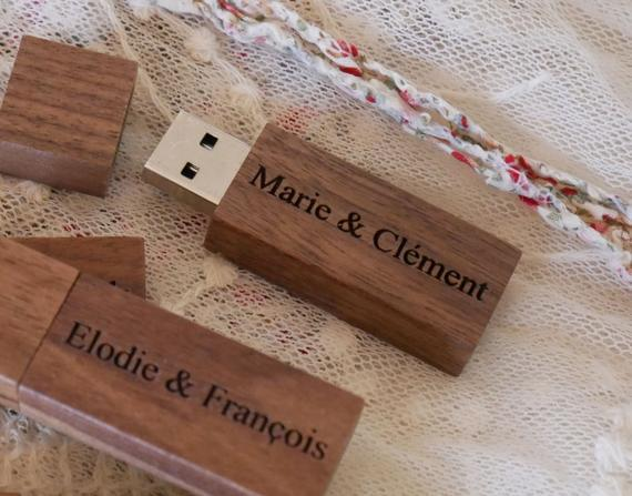 Regalo clave usb grabado en madera de nogal para