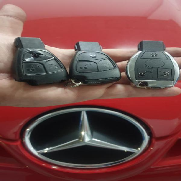 Copia y duplicado de mandos y llaves de coche.