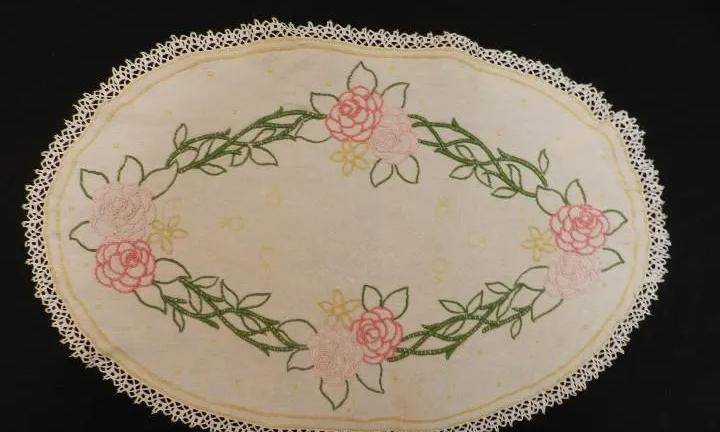 Bonito mantel bordado diseño floral objeto de decoracion