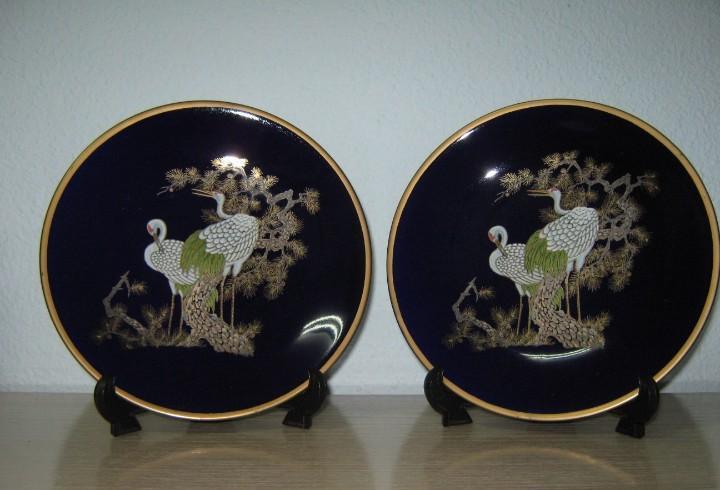 Dos latos chinos fondo azul dos aves pintadas de 12 cm.