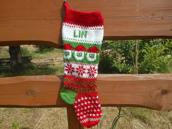 Personalizado navidad media mano tejida con santa navidad