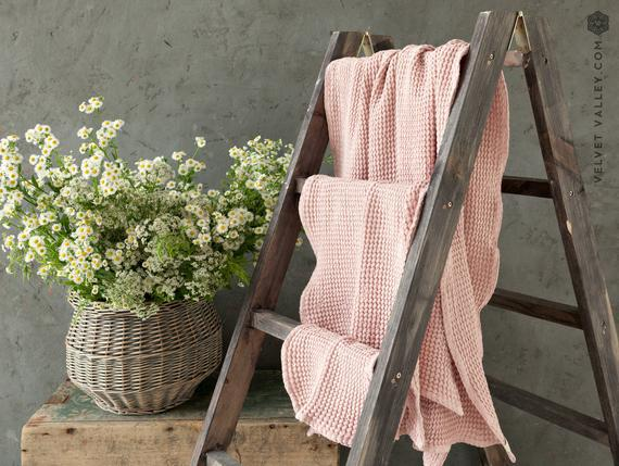 Toalla de baño de lino quartz rose. paño, mano, toalla de