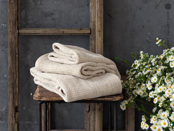 Toalla de tejido de gofre suave linen. paño, mano, toalla