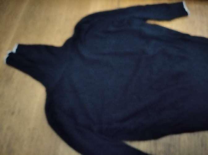 Regalo chaleco de media manga y cuello vuelto en negro