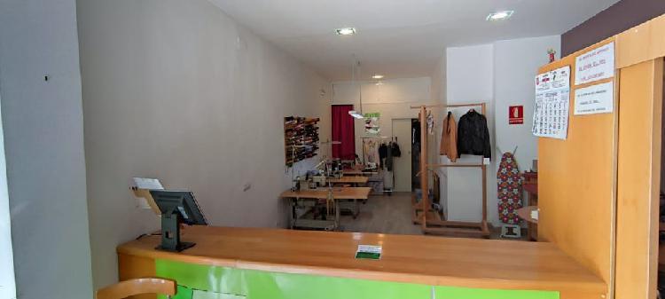 Se traspasa tienda arreglos de ropa por jubilacion