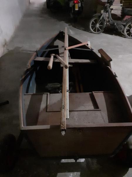 Barca de vela con remolque