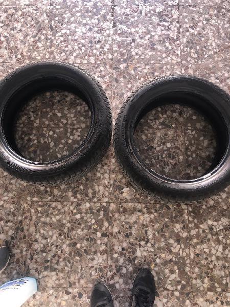 Dos ruedas 205/50r17. 20€ cada una