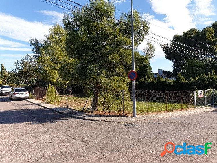 Parcela urbanización las palmas, chaflan