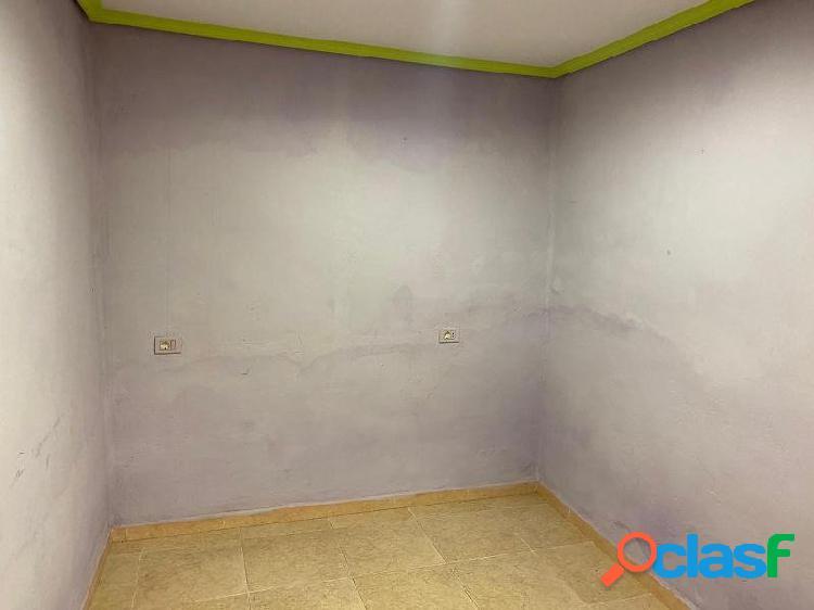 Casa VENTA en Castellón zona SUR, 47 m., 2 habitaciones, un baño, 3