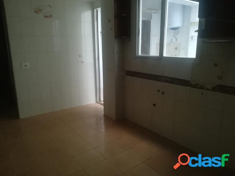 Piso VENTA en Castellón zona ESTE, 103 m., 3 habitaciones, un baño 1