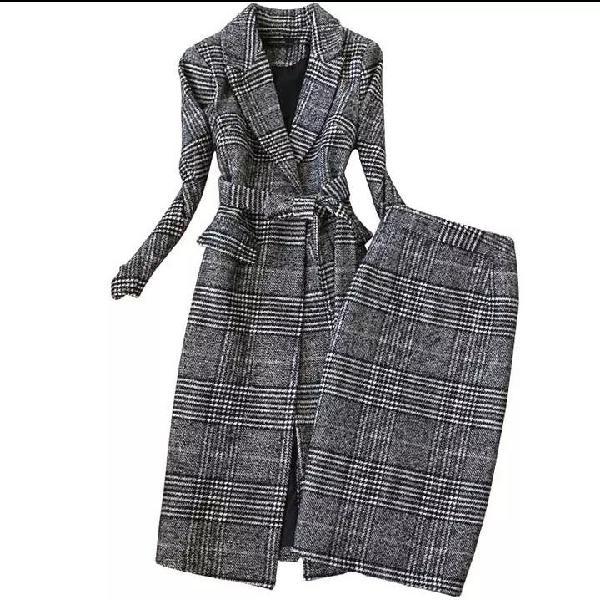 Abrigo y falda de tubi