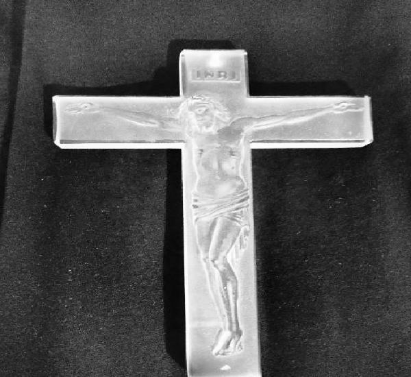 Crucifijo tallado en cristal 19 x 13.5 cm y 1 cm grosor