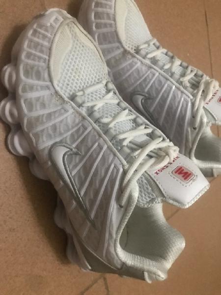 Nike shox blancas