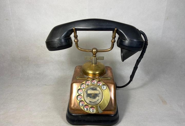 Teléfono de cobre d30 de ktas dinamarca 1950`s - la opalina