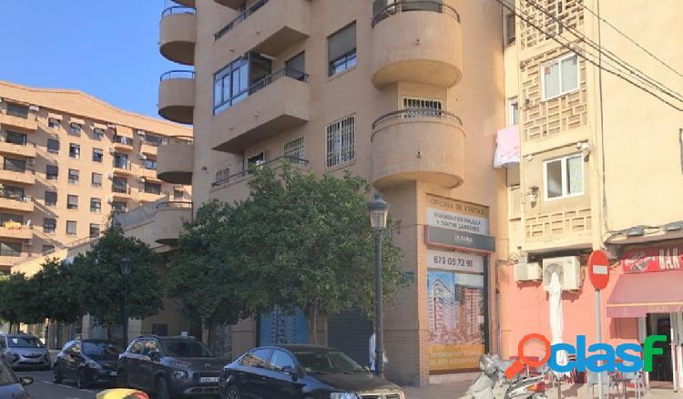 Alquiler de local comercial semi nuevo, en la zona de av ausias march-malilla (valencia). edificio c